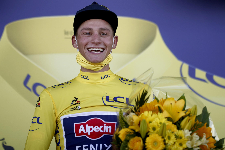 Le Néerlandais Mathieu van der Poel, vainqueur de la 2e étape du Tour de France, entre Perros-Guirrec et Mûr-de-Bretagne, le 27 juin 2021