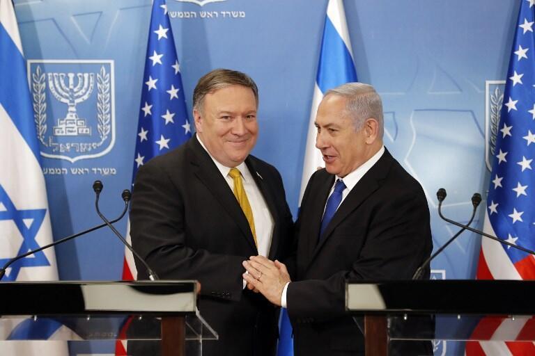 بنیامین نتانیاهو، نخست وزیر اسرائیل، با وزیر امور خارجۀ آمریکا مایک پمپئو - تصویر آرشیوی.