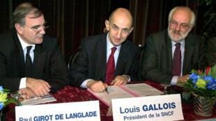 Paul Girot de Langlade (L).