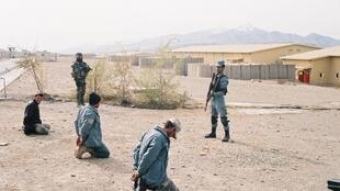Exercice au sein de l'école de police du Wardak quelques mois avant le départ des gendarmes français.