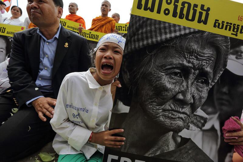 Cụ bà Nget Khun trở thành biểu tượng cho cuộc đấu tranh của dân oan bị chính quyền Cam Bốt tịch thu đất đai - Reuters