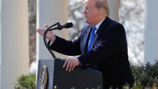TT Donald Trump tuyên bố tình trạng «khẩn cấp quốc gia» nhân cuộc họp báo tại Nhà Trắng ngày 15/02/2019.