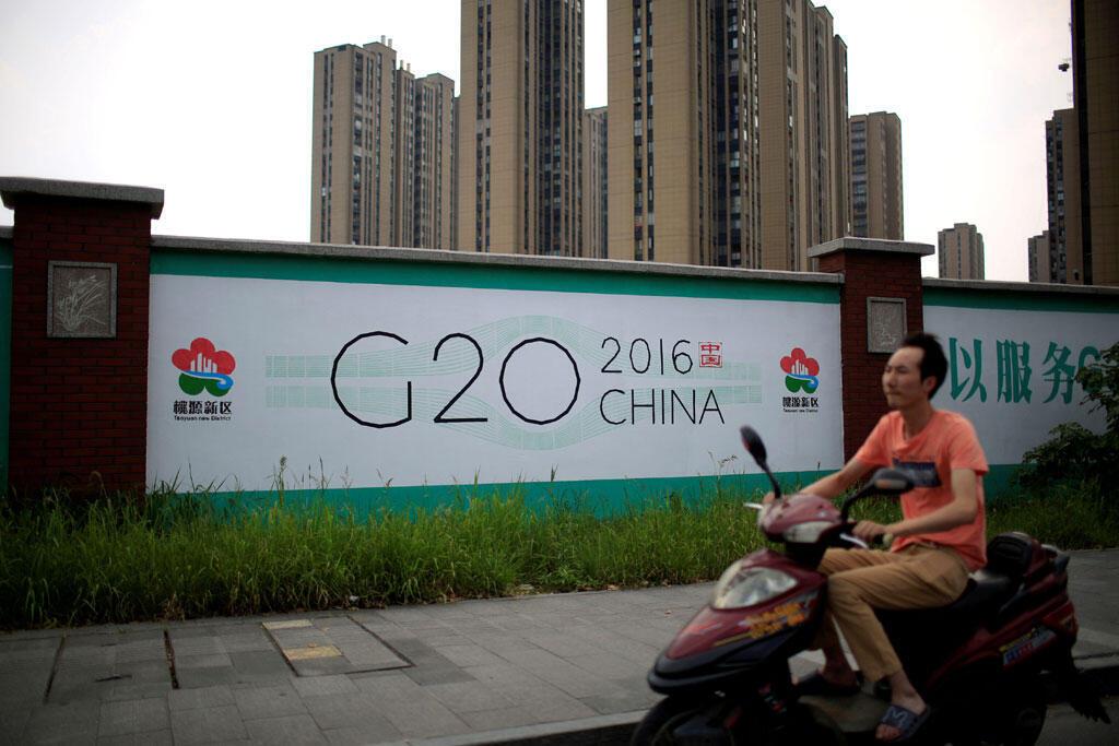 Cartaz em Hangzhou, na China, anuncia a cúpula do G20