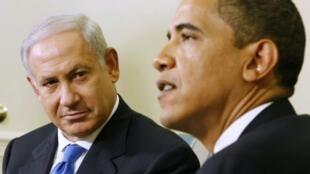 Première entrevue pour Benyamin Netanyahu et Barack Obama dans le bureau ovale de la Maison Blanche, le 18 mai 2009.
