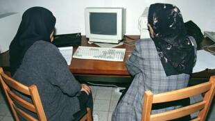 Un cyber-café en 1998 à Alger. (Image d'illustration)