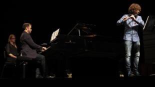 El concierto en París de Hernán Milla (piano) y Carlos Cano (flauta).