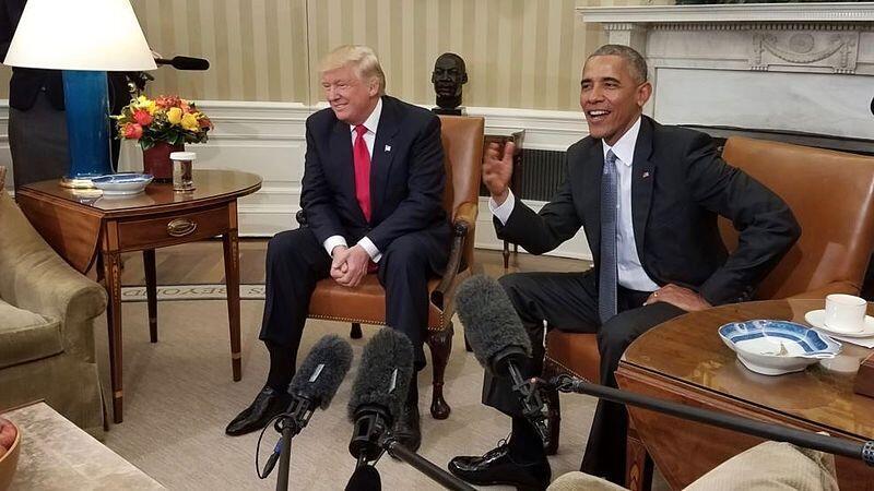 Tổng thống đắc cử Donald Trump (T) gặp tổng thống mãn nhiệm Barack Obama tại Nhà Trắng, Washington, ngày 10/11/2016.