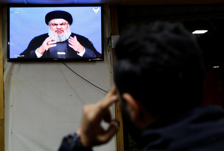 Kiongozi wa Hezbollah Hassan Nasrallah akitoa hotuba yake kwenye televisheni, Beirut, Jumatatu, Novemba 20, 2017.