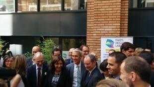 A prefeita de Paris, Anne Hidalgo, inaugura o City Lab, espaço dedicado a empresas de tecnologia com foco no turismo.