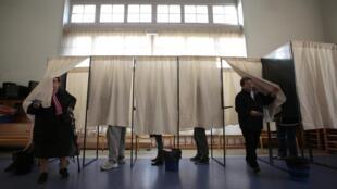 Голосование во втором туре региональных выборов в Ницее, Прованс — Альпы — Лазурный берег, Франция, 13 декабря 2015 г.
