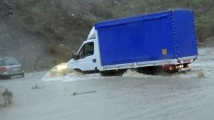 Inundações provocaram a morte de ao menos 17 pessoas na Sardenha.