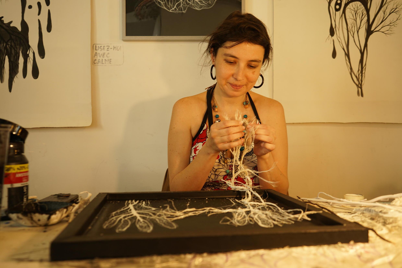 A colombiana Yenny Paola Ardila em momento de criação no 59 Rivoli.