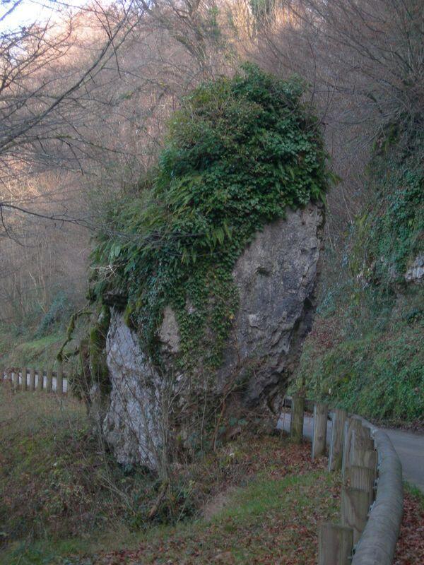 Один из камней, который, по легенде крутится в рождественскую ночь