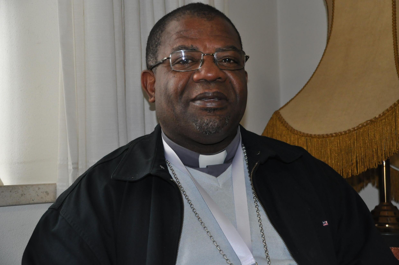Padre Estanislau Marques Chindecasse, bispo do Dundo em Angola