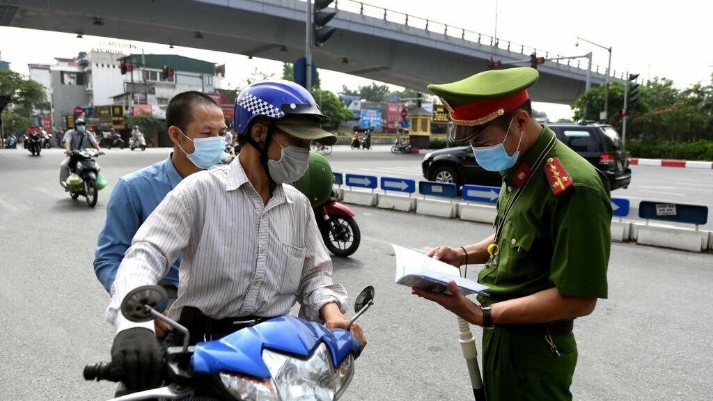 Quốc Hội Việt Nam trao thêm quyền cho thủ tướng để chống dịch Covid-19