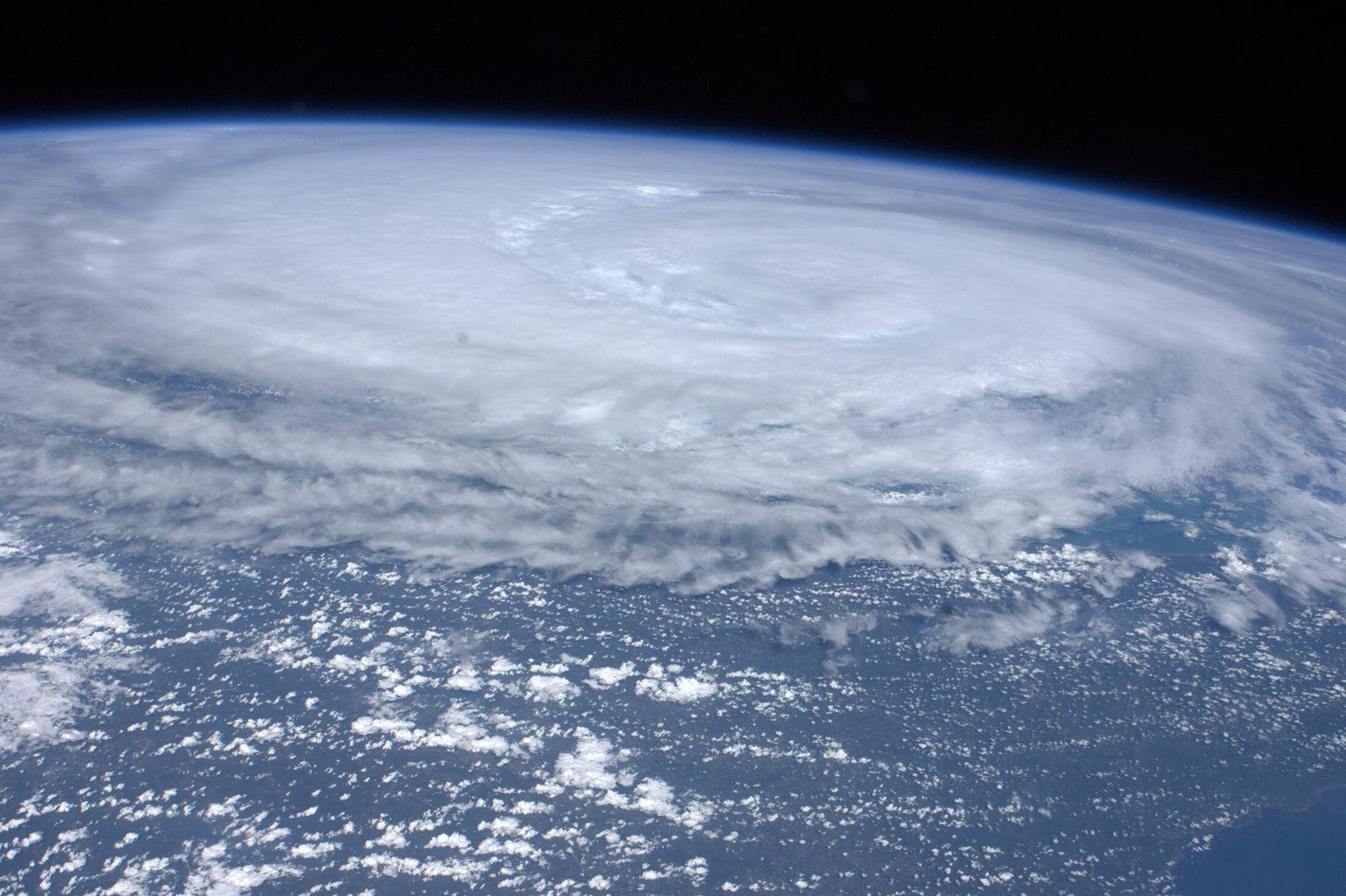 Bức ảnh do các nhà du hành trên trạm ISS chụp trận bão Irene đổ vào Hoa Kỳ, ngày 26/8/2011
