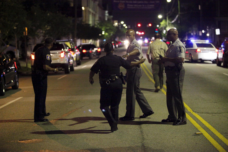 Полиции города Чарльстон не удалось задержать открывшего стрельбу по прихожанам методистской епископальной церкви.