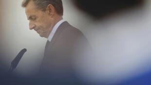 L'ancien président Nicolas Sarkozy a annoncé le 26 avril sur les réseaux sociaux qu'il voterait pour Emmanuel Macron au second tour de l'élection présidentielle.