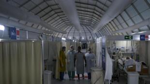 2020-08-05T181701Z_1733723459_RC2U7I92RXEL_RTRMADP_3_HEALTH-CORONAVIRUS-BRAZIL-THERAPIST