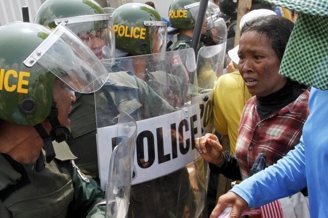 La semaine passée, la contestation des ouvriers du textile s'était soldée par une répression gouvernementale qui a fait plusieurs blessés.