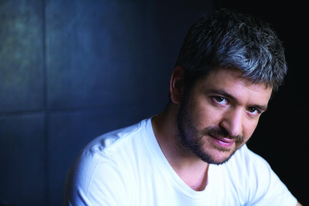 El cantante Grégoire.