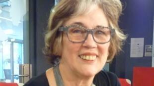 La pintora Cristina Ruiz Guiñazú en los estudios de RFI.