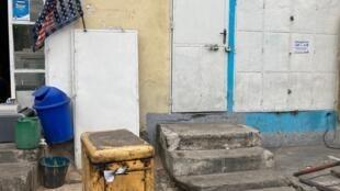 À Kinshasa, les délestages se multiplient et pénalisent les petits commerces.