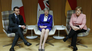 Thủ tướng Anh Theresa May (G), tổng thống Pháp Emmanuel Macron (T) và thủ tướng Đức Angela Merkel (P) tại thượng đỉnh Liên Hiệp Châu Âu, Bruxelles, ngày 22/03/2018.