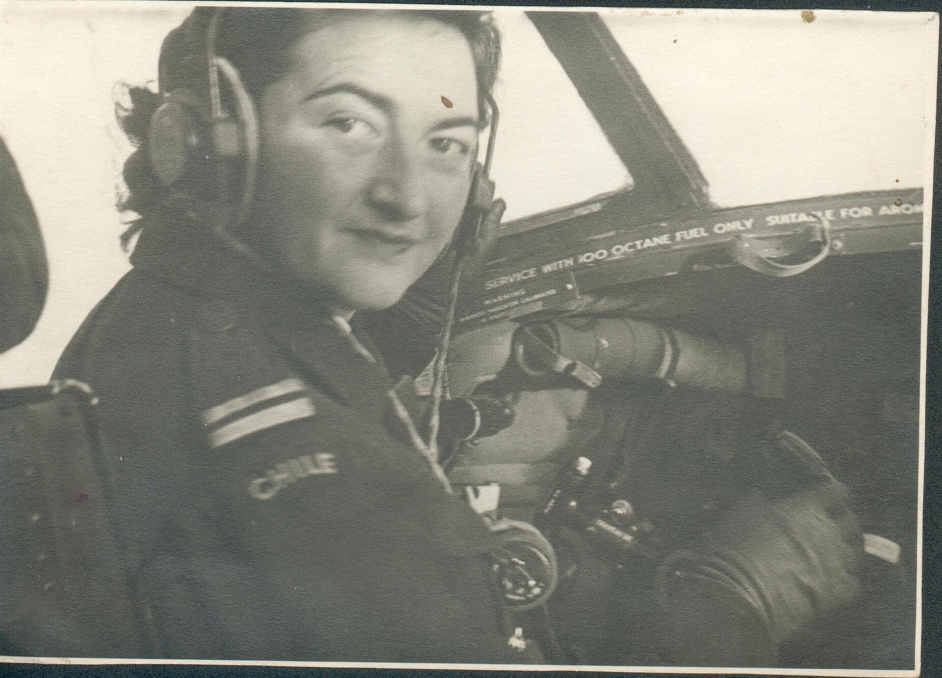 Margot Duhalde se formó como piloto en Chile.