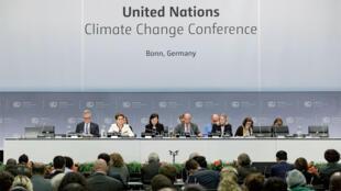 گشایش کنفرانس بن در آلمان، با شرکت ١٩۶ کشور در ادامه توافق پاریس و جلوگیری از گرم شدن بیشتر زمین. دوشنبه ١٨ اردیبهشت/ ٨ مه٢٠۱٧