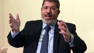Le président égyptien, une semaine après son investiture, a annulé la dissolution de l'Assemblée du peuple.