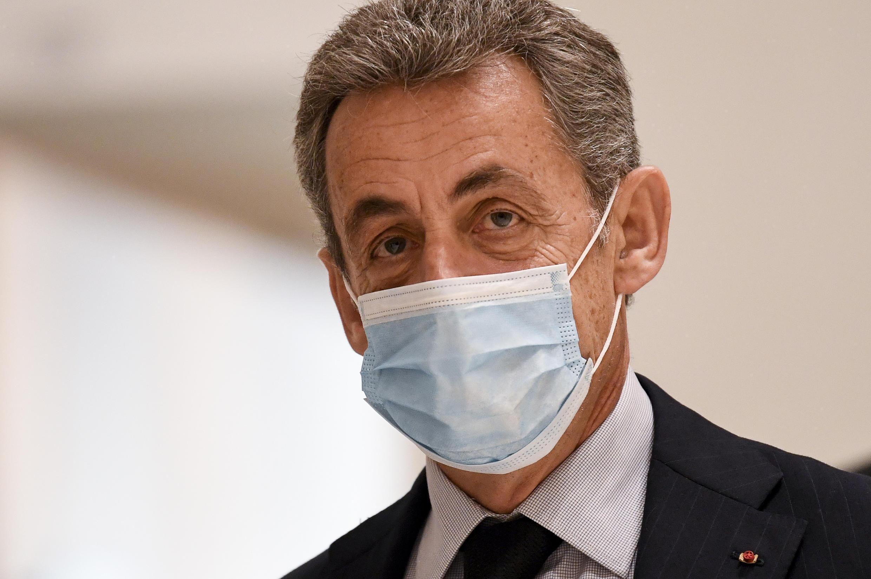 Nicolas Sarkozy llega al último día de su juicio por cargos de corrupción, el 10 de diciembre de 2020 en un tribunal de París