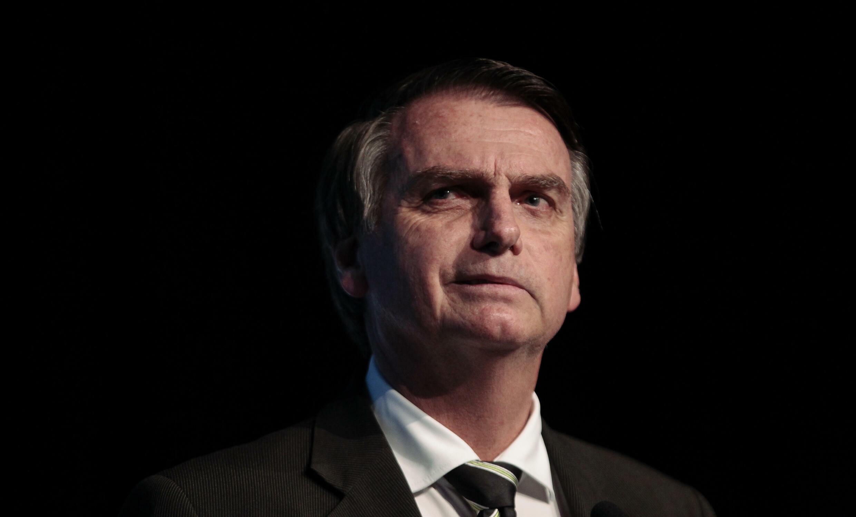 """El ultraderechista Jair Bolsonaro, que ya tuvo contenidos removidos de sus redes por diseminar información falsa sobre el covid-19, califica como """"censura"""" la suspensión de cuentas o remoción de contenidos que aplican las plataformas según sus normas"""