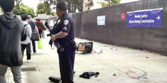 5 người theịet mạng trong vụ nổ súng. Thủ phạm  bị cảnh sát bắn hạ (REUTERS /STRINGER)