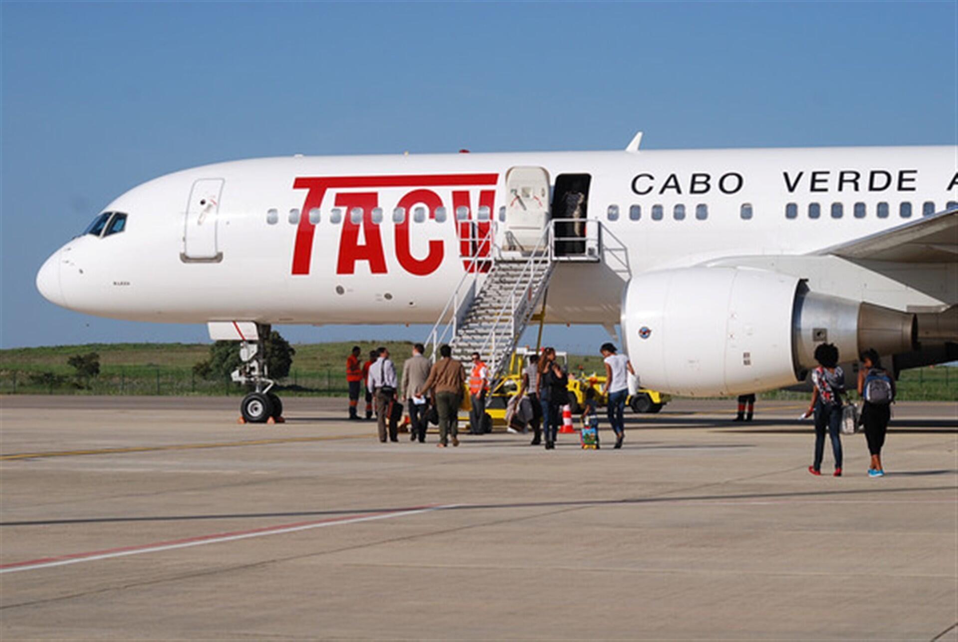 Avião da TACV, companhia aérea de Cabo Verde, em processo de reestruturação.