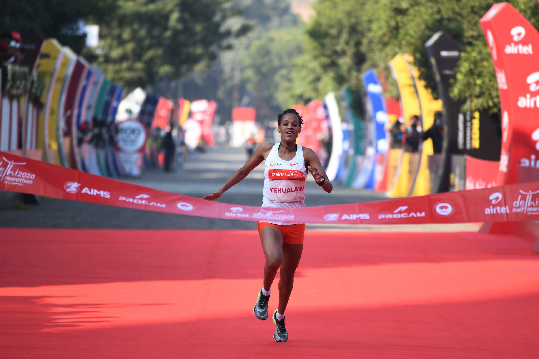 2020-11-29 sport athletics india delhi half marathon Ethiopia Yalemzerf Yehualaw