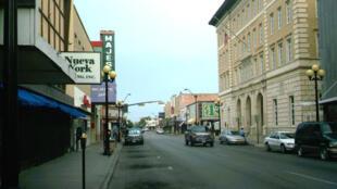Vista de Brownsville, Texas, con la sede de la Corte Federal a la derecha.