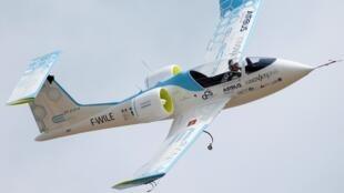 Электрический самолет E-Fan европейского конструктора Airbus
