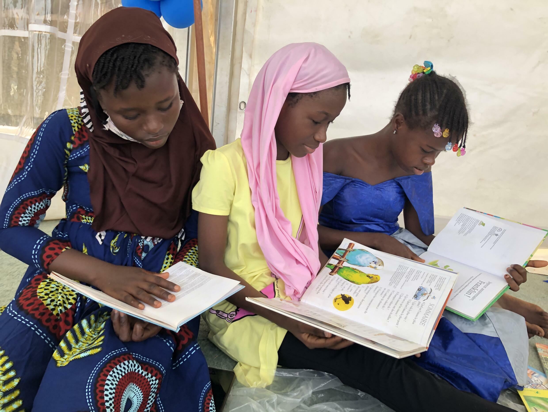 Une petite dizaine d'auteurs dont l'objectif est de raconter aux enfants guinéens des histoires qui leur sont familières, avec des personnages qui leur ressemblent.