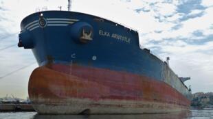 Le tanker grec «Elka Aristotle», ici dans le port du Pirée le 17 mai 2018.