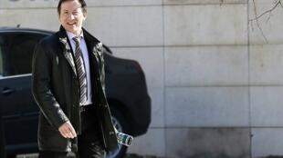Một trong những tấm ảnh hiếm hoi của thẩm phán Jean-Michel Gentil, chụp trước Tòa án Bordeaux ngày 19/02/2013.
