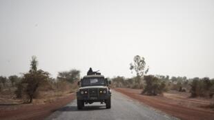 fama armée mali soldats militaires djenné mopti