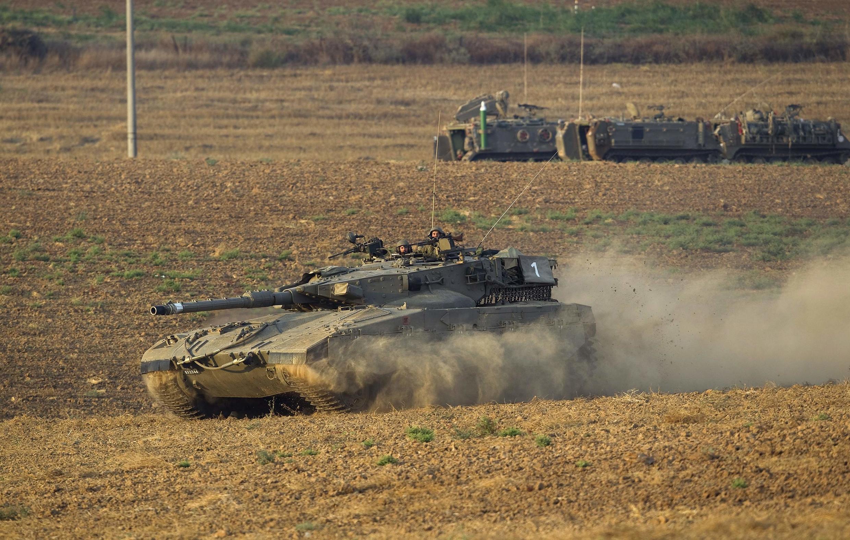 Chiến xa Israel tiến về Gaza. Ảnh ngày 21/07/2014.