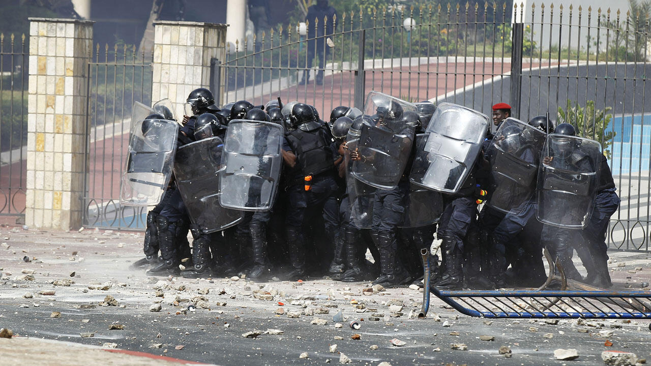 Senegalese-Riot-Police