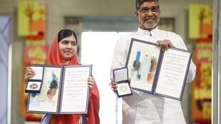 La jeune Pakistanaise Malala Yousafzai et l'Indien Kailash Satyarthi ont reçu à Oslo le prix Nobel de la Paix, le 10 décembre 2014.
