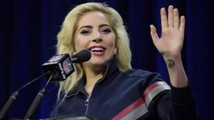 美國女歌星Lady Gaga在記者會上
