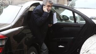 Chegada do embaixador iraniano Hassan Tajik em Viena, Austria. 17 de fevereiro.