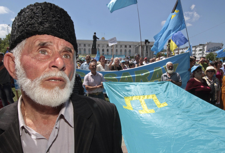 Крым, Симферополь в день 68-ой годовщины массовой депортации татар, 18 мая, 2012