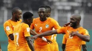 Wachezaji wa Côte d'Ivoire wakifurahia ushindi wao dhidi ya Liberia katika mchuano wa kusaka tiketi ya kufuzu Kombe la soka la Dunia 2018.Coupe du monde 2018.