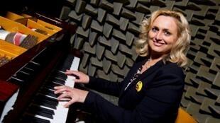捷克鋼琴製造商佩卓夫總裁彼得羅福娃資料圖片